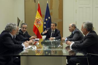20100403102936-03.04.10-zapatero-ministro-trabajo-interlocutores-sociales.jpg